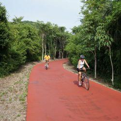 Recorre la ciclopista, mirador y parque Aztlán