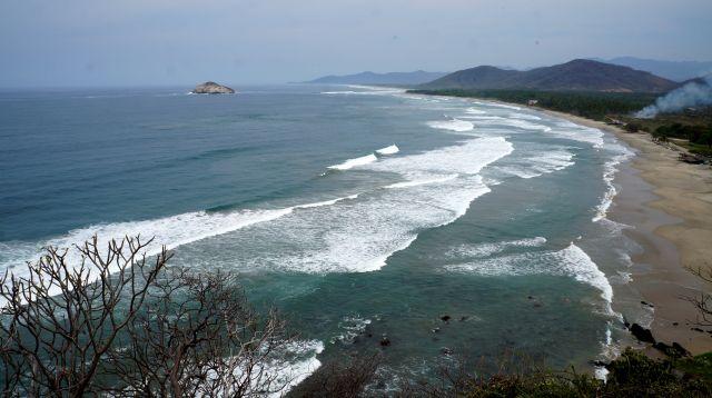 Playa Cayaquitos Bahia de Papanoa
