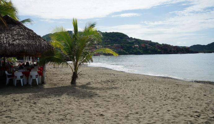 Playa Principal Bahia Zihuatanejo