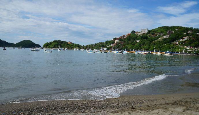 Playa Principal Muelle Ixtapa Zihuatanejo
