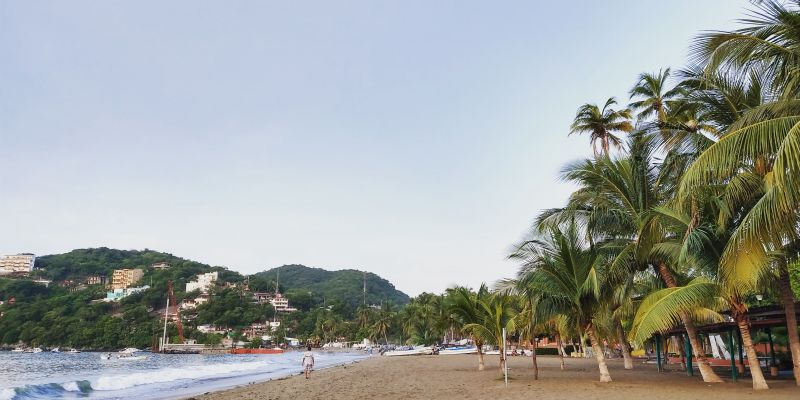 Playa Principal Zihuatanejo